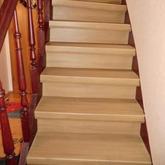 Referenz helle Holztreppe - Parkett Scherb aus Essen